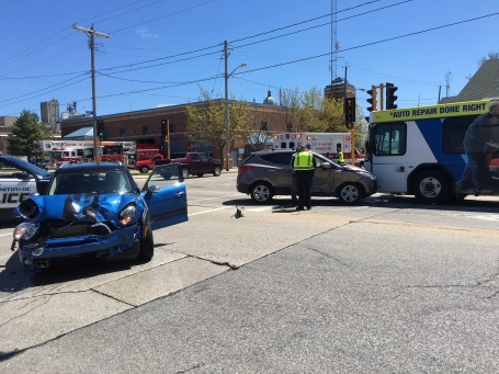 Crash - S. 10th and Franklin Streets 5-6-17.JPG